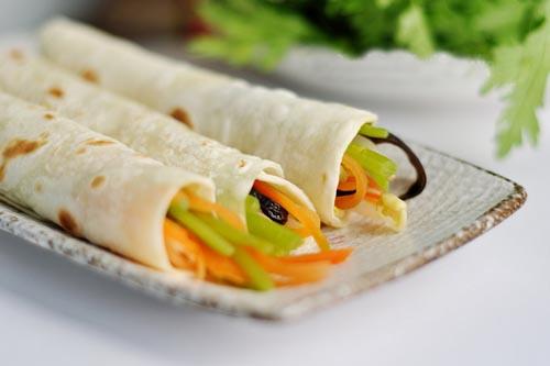 Китайские блинчики с начинкой – быстрый и очень вкусный рецепт к праздничному столу