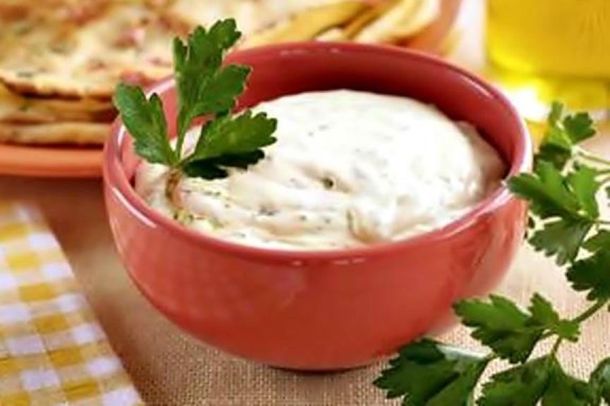 Сметанный соус с сыром