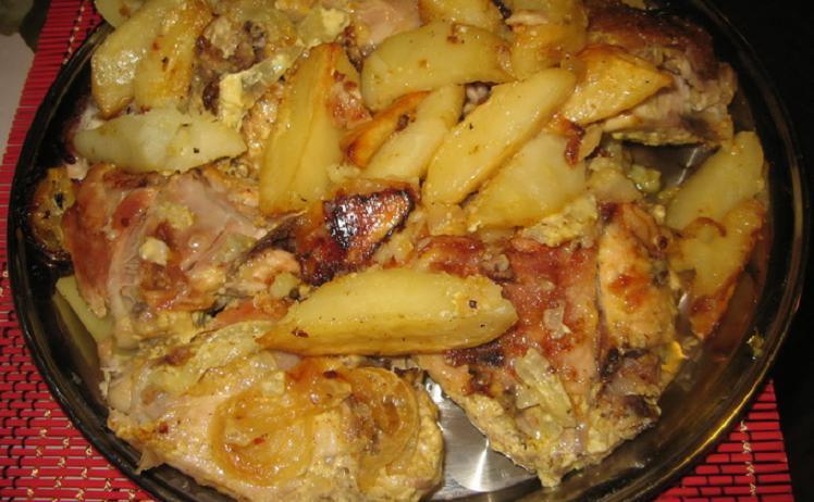 Жареная курица с грибами и картофелем