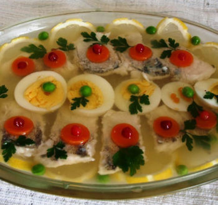 Заливная рыба к праздничному столу