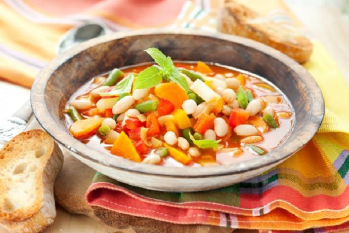 Суп минестроне с беконом