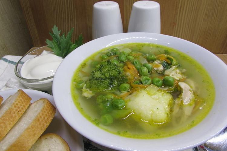 Суп из зеленого горошка с окороком