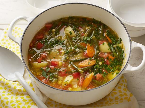 Овощной суп с фасолью