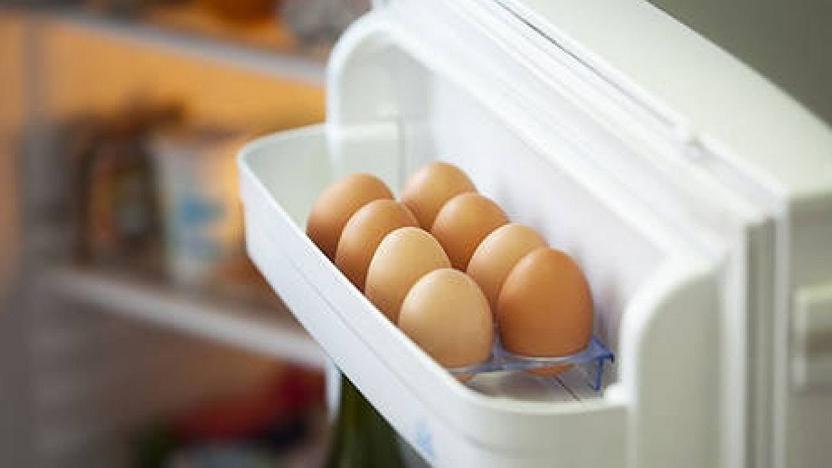Можно ли хранить яйца в дверце холодильника
