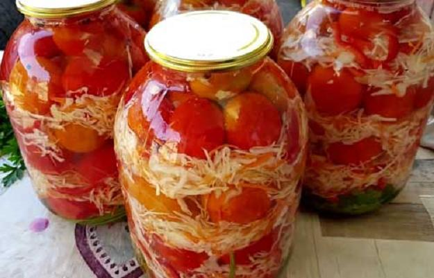 Консервированные помидоры с капустой