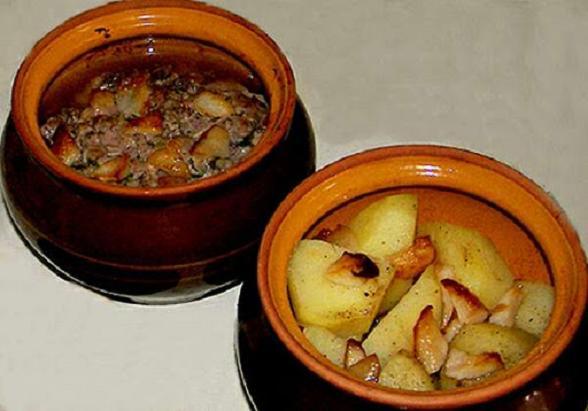 Картошка в горшочках с салом