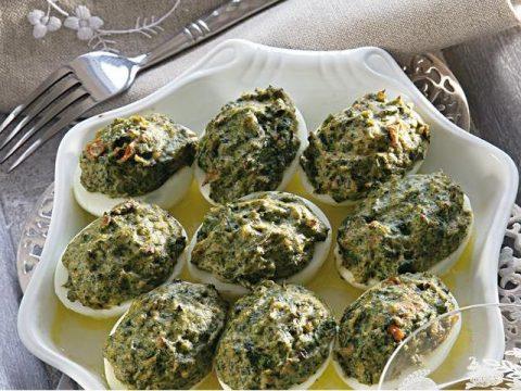 Яйца фаршированные шпинатом