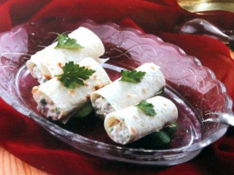 Рулетики из лаваша с оригинальной мясной, сырной и овощной начинкой