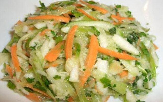 Салат из кабачков яблок и моркови