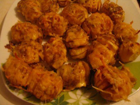 """Запеченный картофель с сыром """"В сугробах"""""""