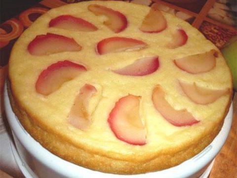 Запеканка творожная с яблоками и корицей в пароварке