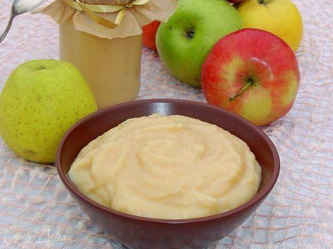 Яблочное пюре с молоком «Сгущенное молоко»
