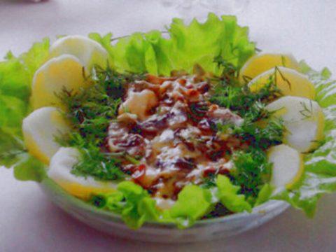 Грибы с сырным соусом и картофелем