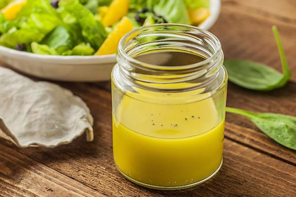 Из масла и лимонного сока