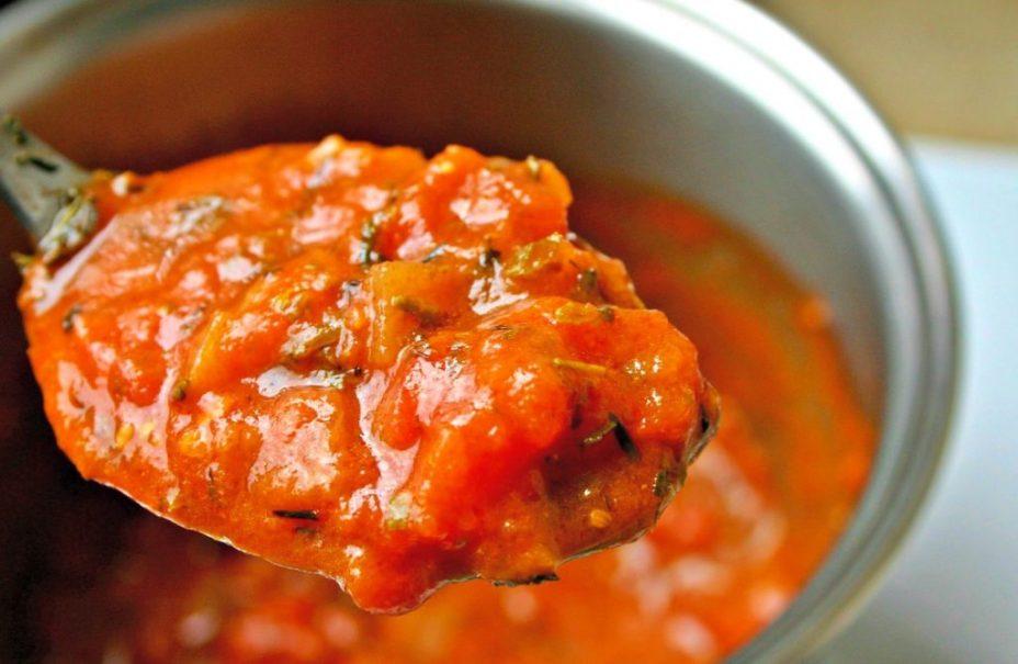 Красный густой соус к мясу и рыбе