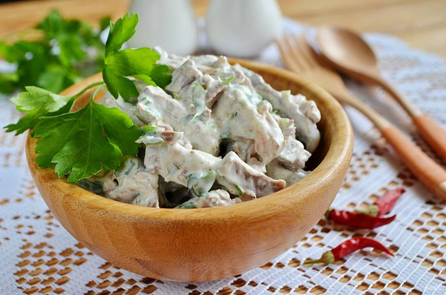"""Салат """"Русский"""" с мясом и овощами"""