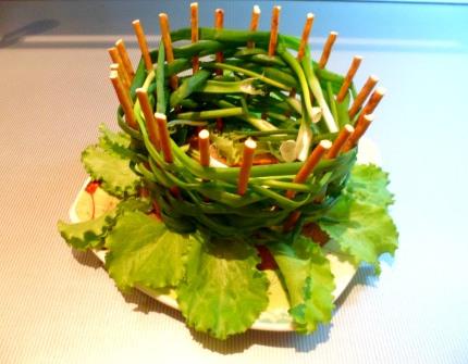 Оборачиваем салатом