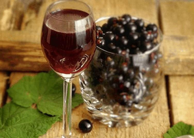 Вино черносмородиновое