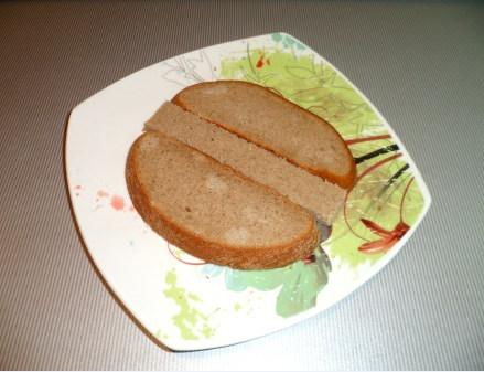 Выкладываем хлеб