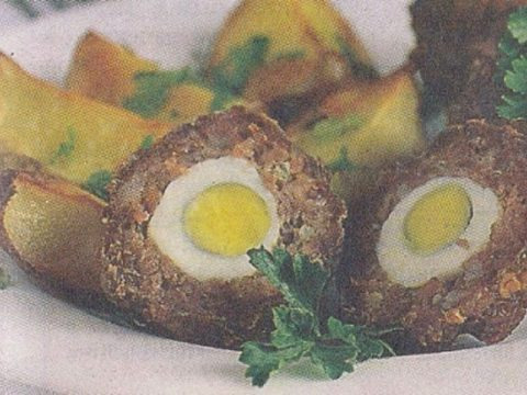 Котлеты с перепелиными яйцами и картофелем