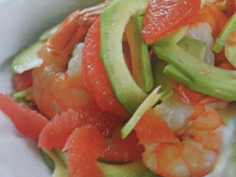 Салат с грейпфрутами и креветками