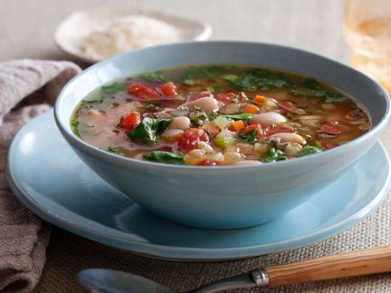 Постный суп овощной суп с фасолью и цветной капустой
