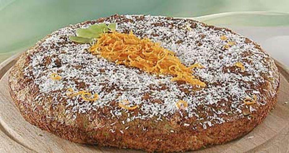 Постный морковный торт с яблоками и какао