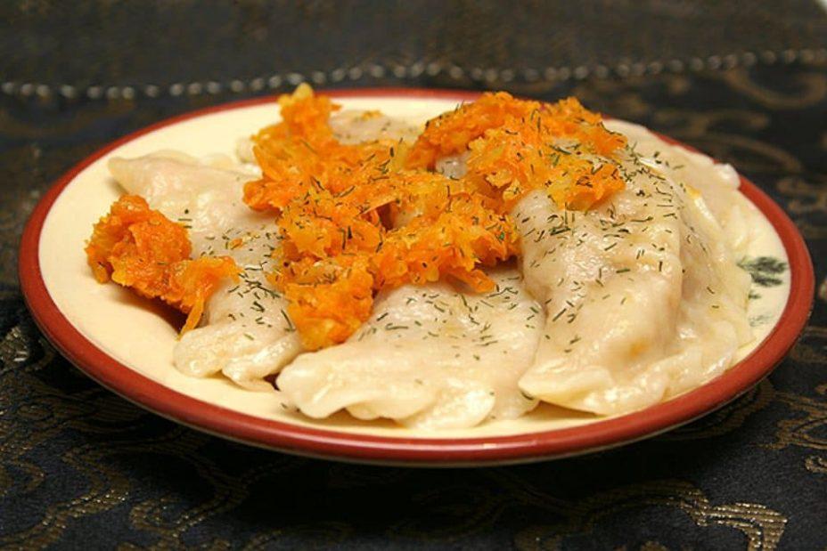 Постные вареники со свежей капустой и морковью пошаговый рецепт