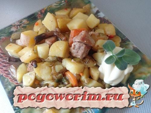 Азу по-татарски с солеными огурцами, картошкой и опятами пошагово