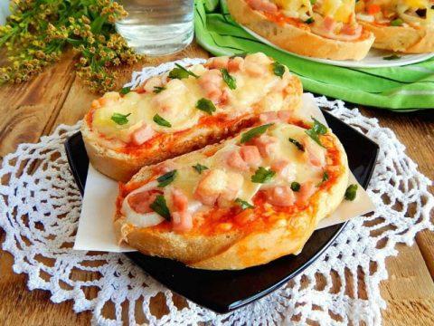 Рецепты горячих бутербродов в микроволновке с фото простые и вкусные