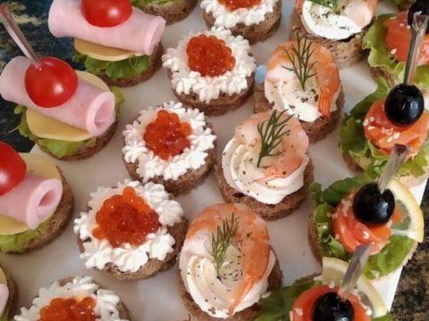 Красивые, легкие и простые бутерброды на праздничный стол