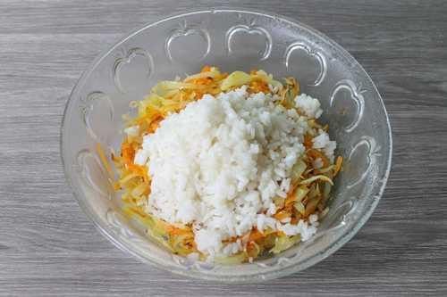 Морковь с капустой и рисом