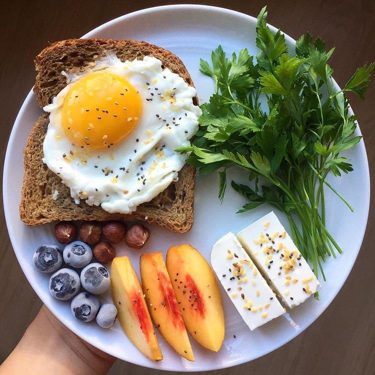 Что приготовить на завтрак быстро и вкусно из простых продуктов