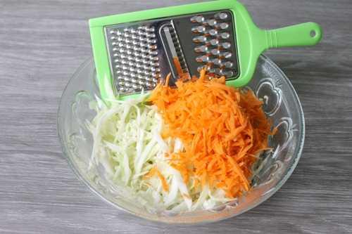 Морковь и капуста для ленивых голубцов