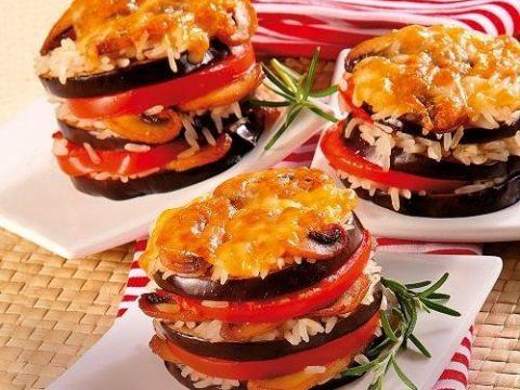 Овощные гамбургеры с сыром, рисом, грибами, помидорами и баклажанами