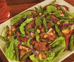 Салат из спаржи с лапшой